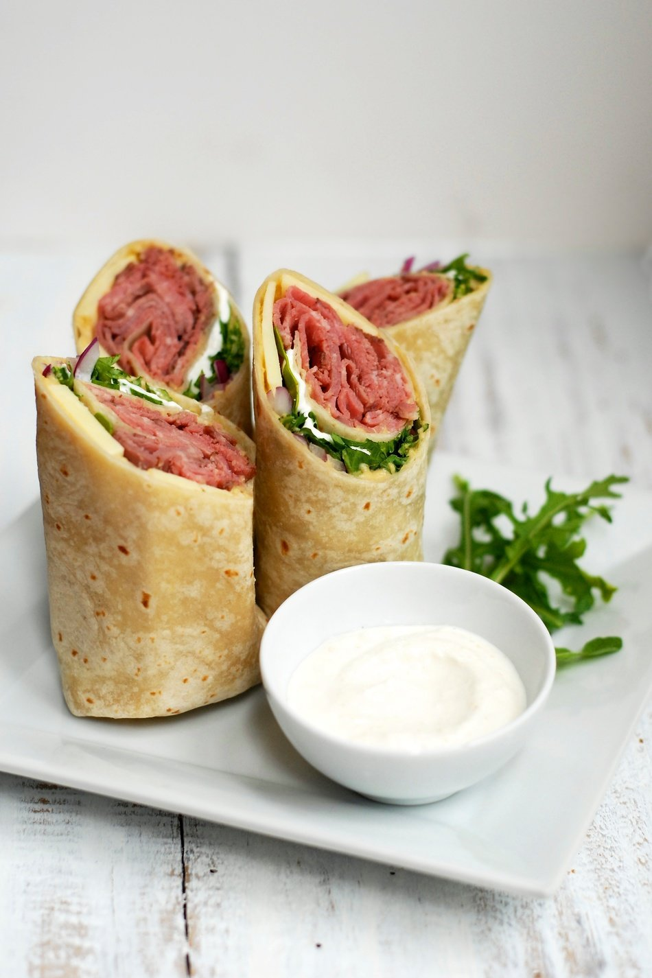 Horseradish and Hummus Roast Beef Wraps