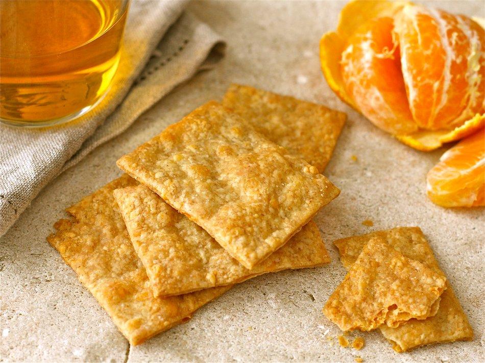 Rustic Cheddar Crackers