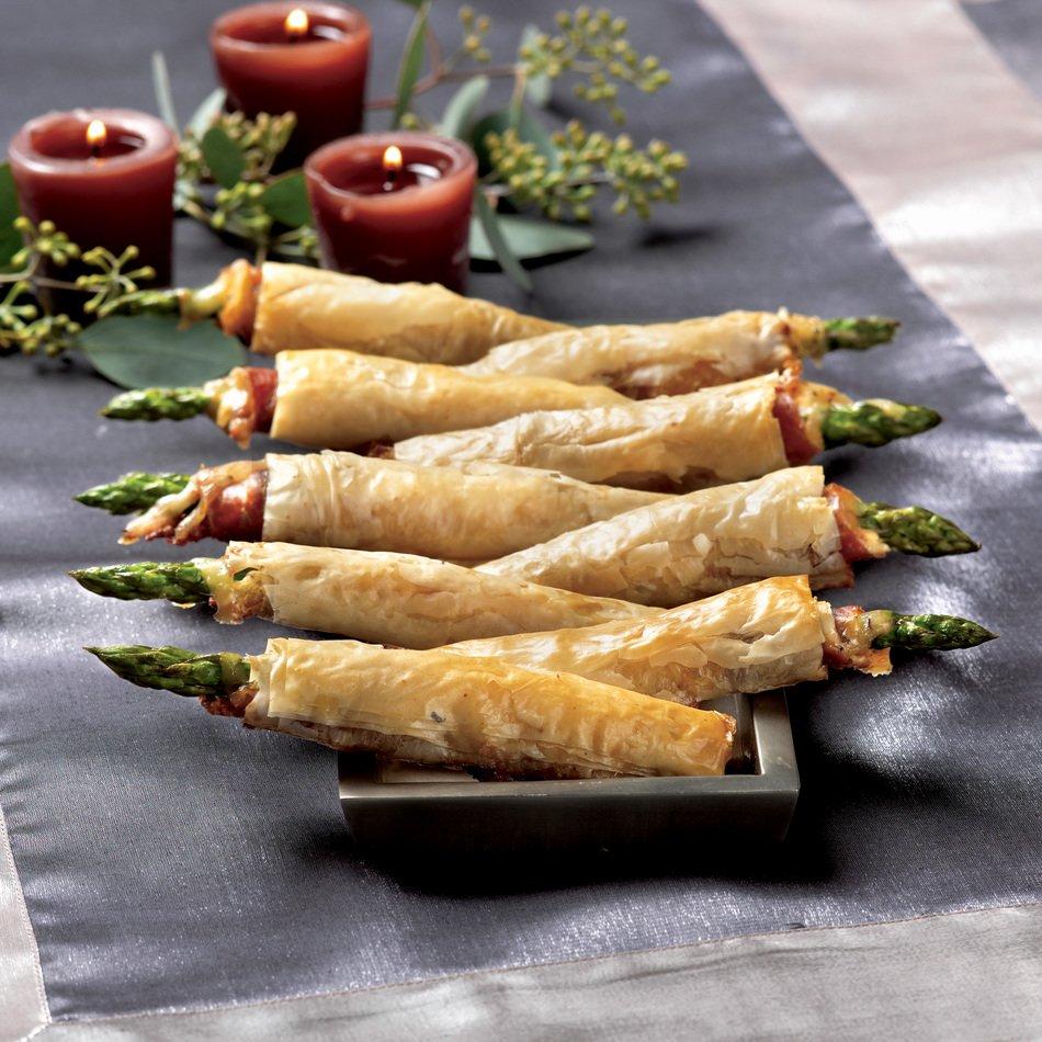 Asparagus-Prosciutto Rolls with Cheddar