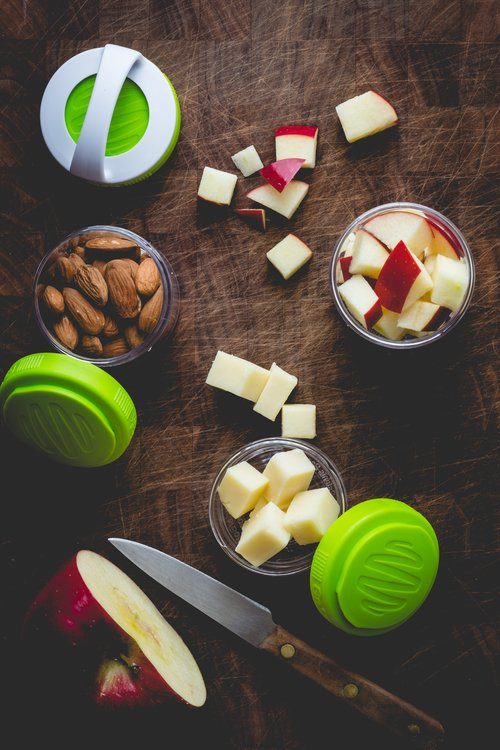 Apple, Cheddar & Almond Snack Mix