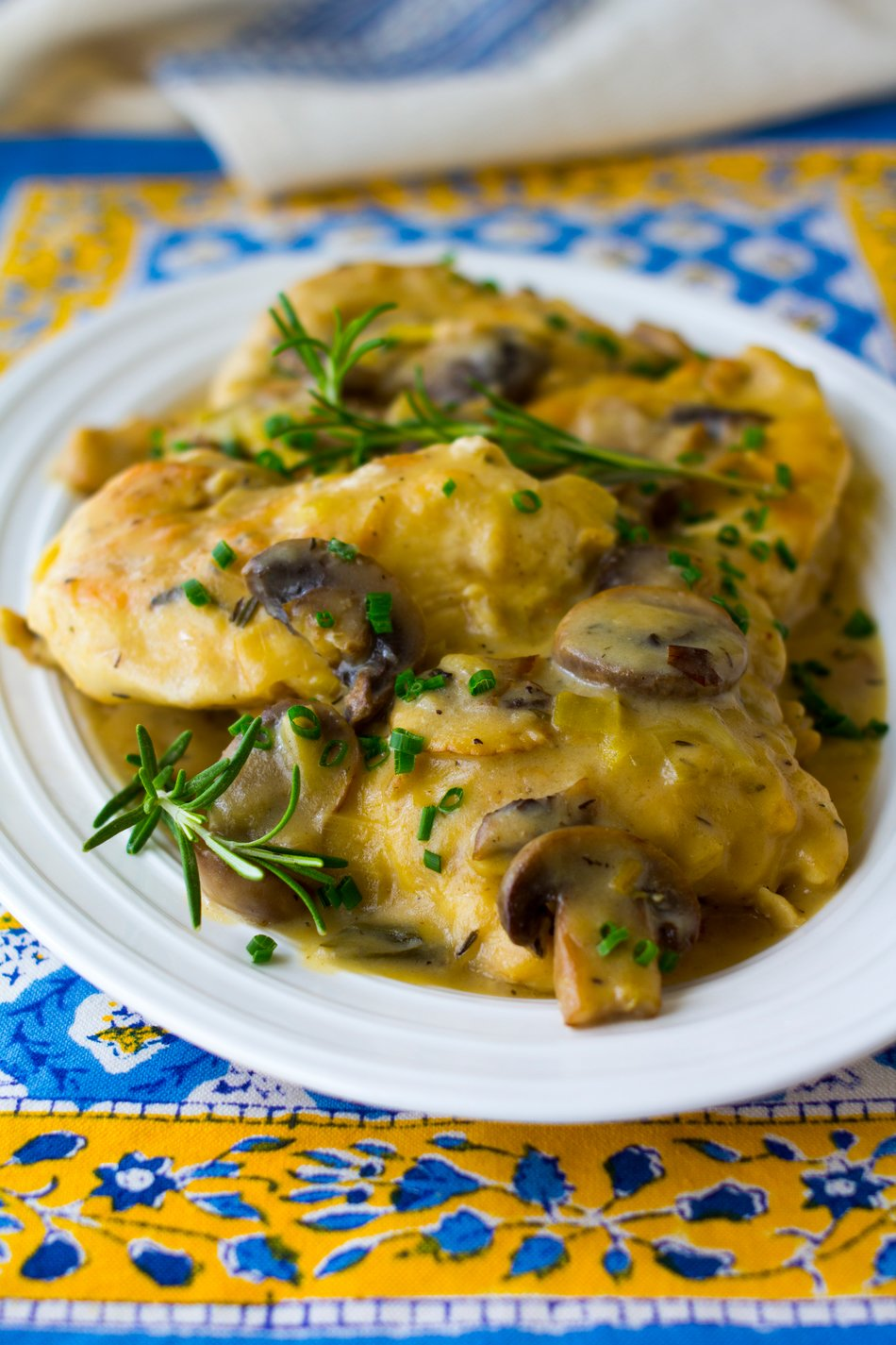 Skillet Chicken with Cheddar Mushroom Sauce