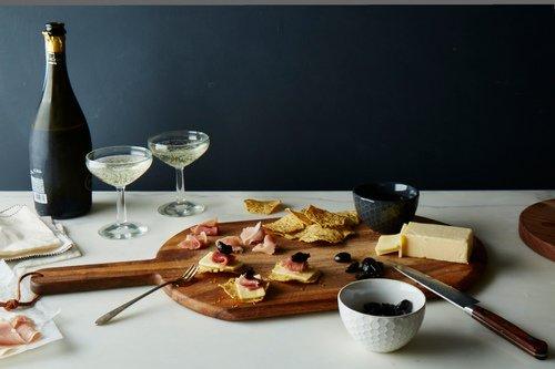 Multigrain Chips with White Oak Cheddar