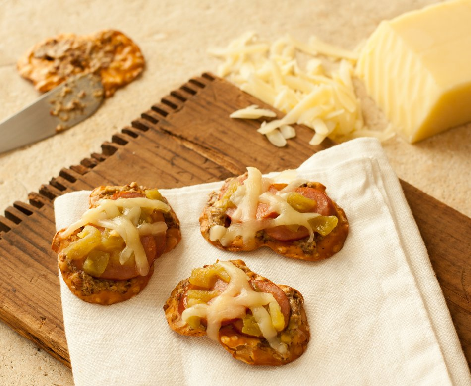 Sports Night Pretzel Crisps
