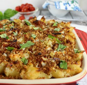 Bourbon & Bacon White Cheddar Mac and Cheese