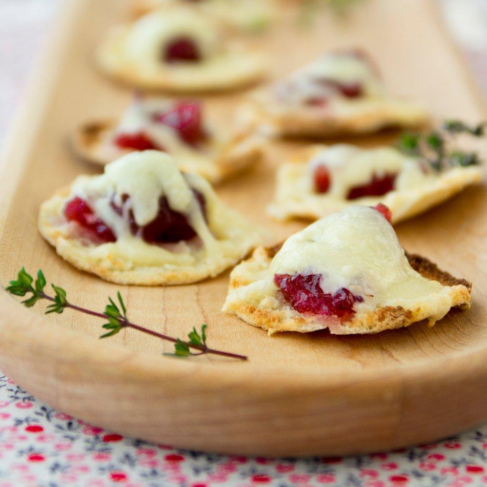 Cranberry Cheddar Pita Bites