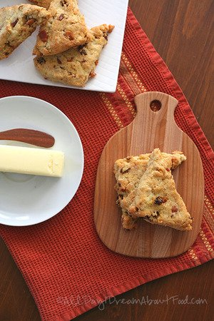 Low Carb and Gluten-Free – Bacon, Sundried Tomato And Cheddar Scones