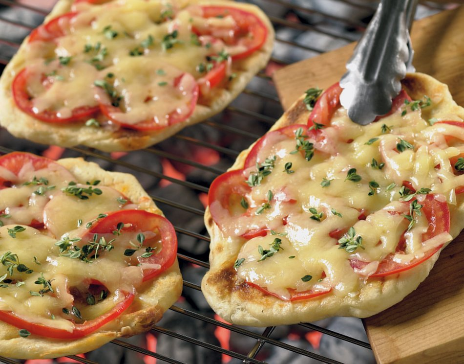 Grilled Summer Pizza with Cheddar