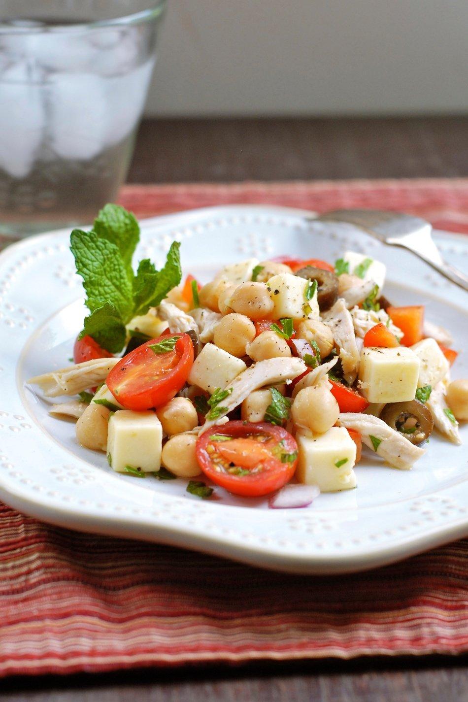 Mediterranean Chicken-Chickpea Salad