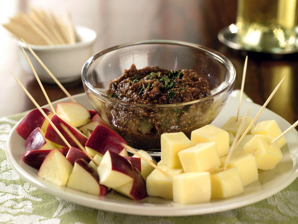 Speared Cheddar with Apple-Mustard Dip