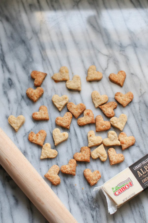Heart Cheddar Crackers